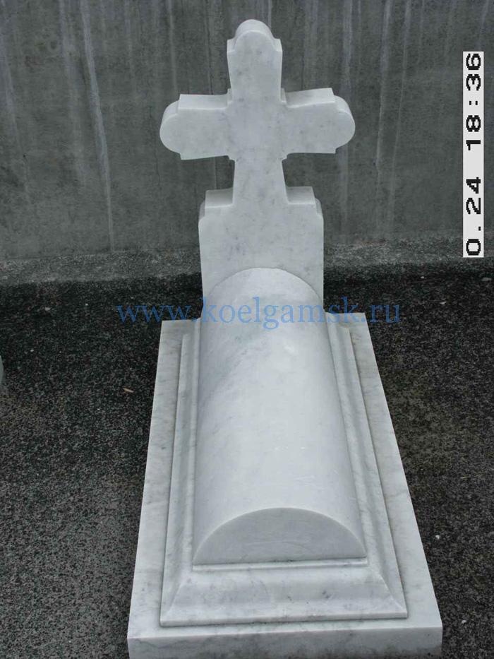 Надгробие с крестом белый мрамор памятник из цветного гранита Туапсе