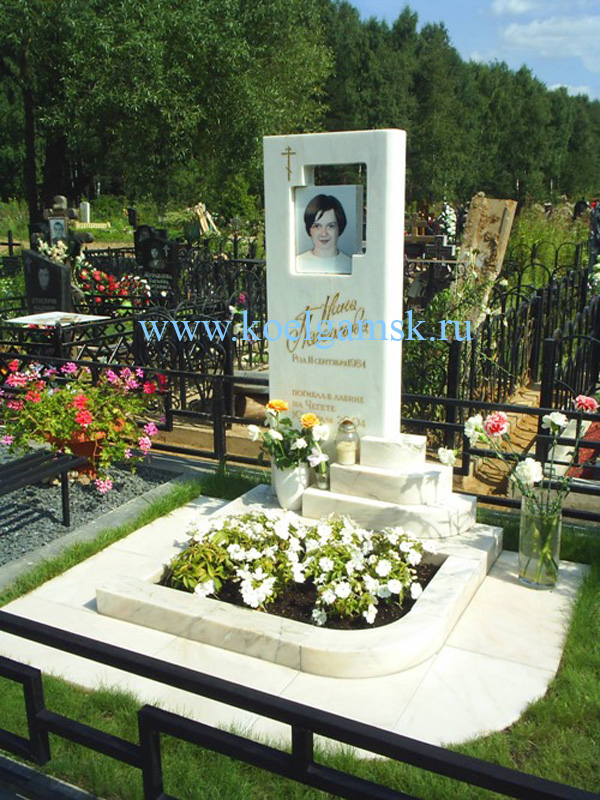 Памятники на могилу из белого мрамора фото надгробие из искусственного камня
